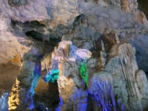 ハロン湾鍾乳洞内部2
