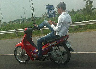 quai-xe-lai-xe-nhan-tin